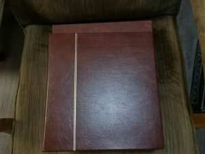 1 SAFE  14-RING Binders  Various colors Good used condition read details