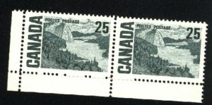 Can #465   Pair   M NH VF 1967-73 PD