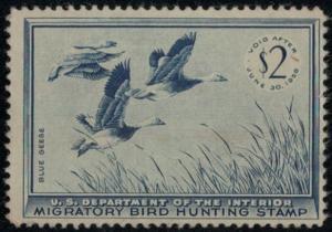 US #RW22 SCV $85.00 VF mint hinged, small thin, fresh stamp, SUPER NICE! SCV ...