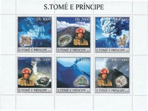 SAO TOME E PRINCIPE 2003 SHEET VOLCANOES MINERALS FIRE ENGINES st3255