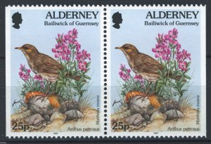 Alderney 1997, Bird and flowers pair MNH