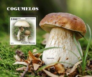 GUINEA BISSAU - 2019 - Mushrooms - Perf Souv Sheet - M N H