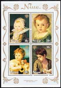 Niue 1979 MH Sc #240a Souvenir sheet of 4 Paintings Int'l Year of the Child