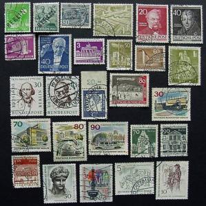 Packet, Germany, Berlin, 100 Different Used, 9N4 // 9N571