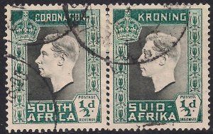 South Africa 1937 KGV1 1/2d Pair Bi Lingual Coronation used SG 71 ( J959 )