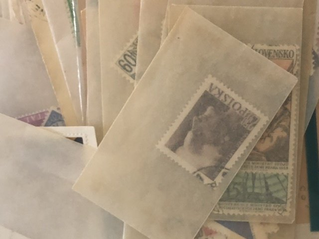 W.W. Stamps Mostly In Glassine's Lots of Very Nice Items Might Find Some Gems