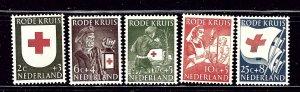 Netherlands B254-58 MH 1953 Red Cross