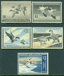 EDW1949SELL : USA 1945-67 Scott #RW12, 14, 30, 31, 34 VF Mint OGH Catalog $450.