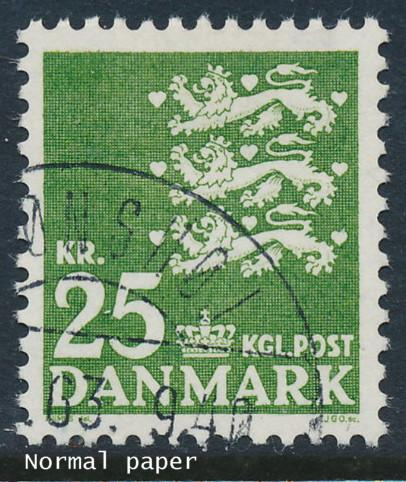 Denmark Scott 400v (AFA 402), 25kr Arms normal paper, XF U