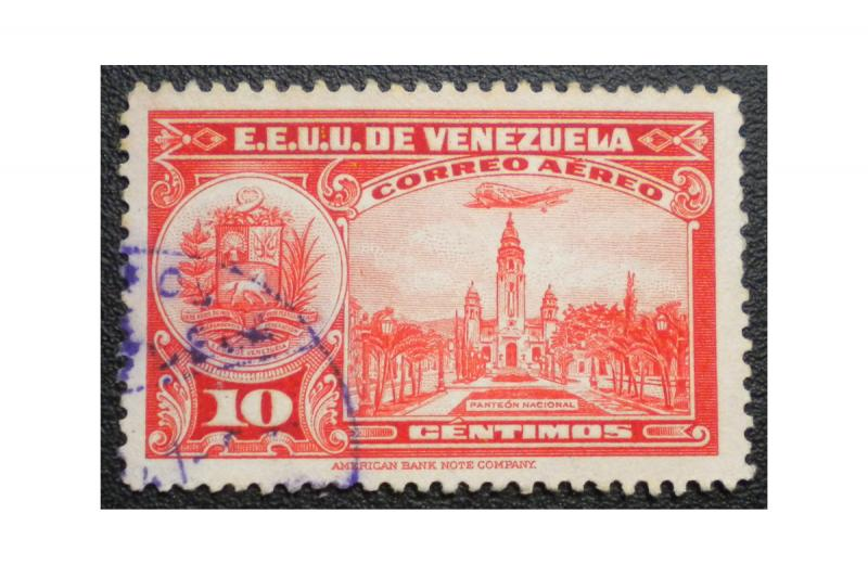 STAMP FROM VENEZUELA 1938-39. SCOTT # C 82 AIR MAIL. USED. ITEM 4