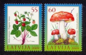 Latvia Sc# 742-3 MNH Berries & Mushrooms