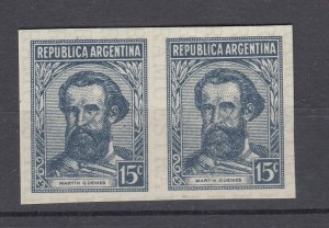 J28561 1935-51 argentina pair proofs mnh #436 vertical crease 1 stamp. 2 scans