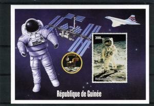 Guinea 2000 APOLLO 11 MOON LANDING Souvenir Sheet Perforated MNH