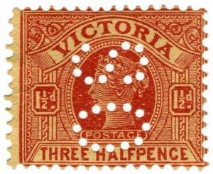 (I.B) Australia Postal : Victoria 1ï¾½d (SG 386) OS perfin