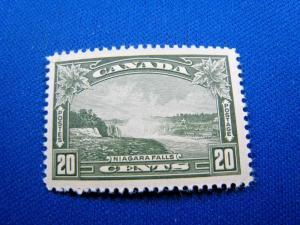 CANADA  SCOTT# 225 -  MNH