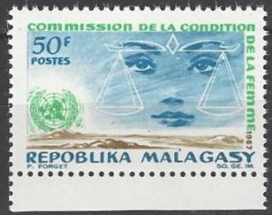Malagasy 407  MNH   UN Year of Women