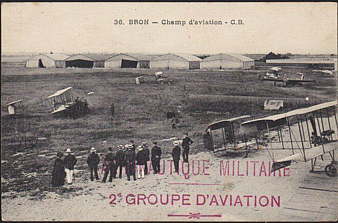 FRANCE 1915 postcard Air force planes at Bron - 2e GROUP D'AVIATION.........6693