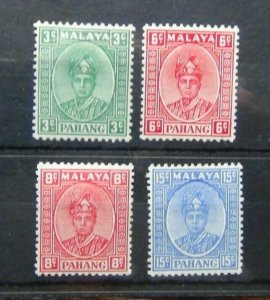 Pahang 1937 - 41 3c Green 6c Scarlet 8c Scarlet 15c Ultramarine MM