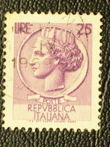 Italy Scott #998G used