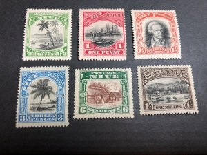Niue Scott 35-40 Mint OG CV $21.65