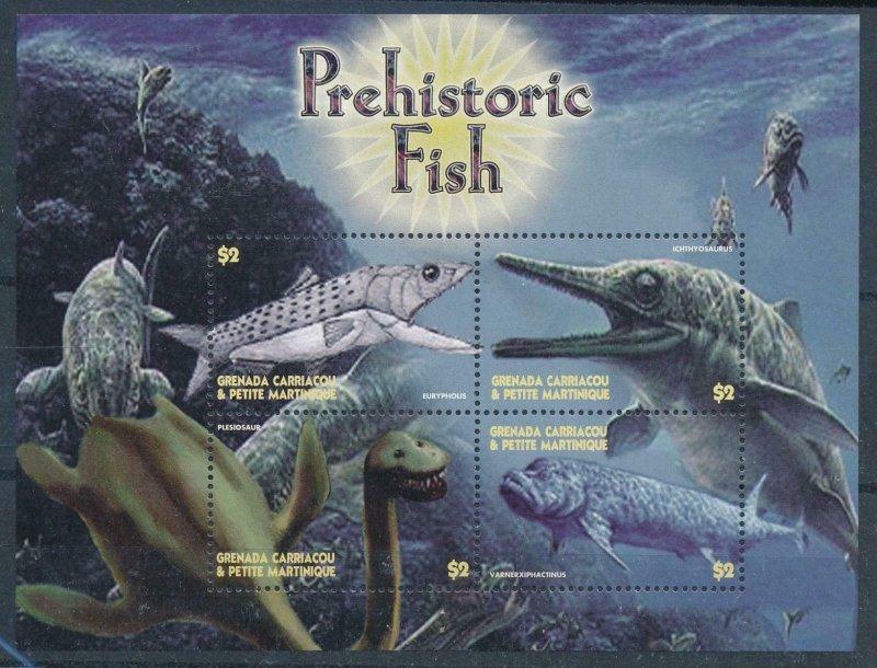 [107108] Grenada Carriacou 2005 Prehistoric animals dinosaurs Sheet MNH