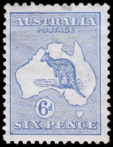 Australia Scott 8 (1913) Mint H F-VF, CV $140.00 M