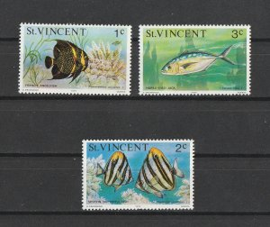 St. Vincent MNH 407-9 Fish
