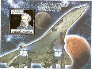 WD05-02-19-Guinea-Bissau - Concorde & Jules Verne Gold Foil Stamp S/S GB5p08bg