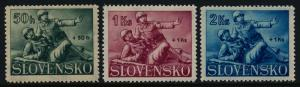 Slovakia B2-4 MNH Military, Medical Corpsman & Wounded Soldier