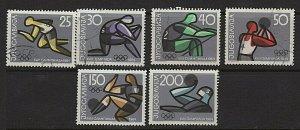 Yugoslavia Scott #731-736 Set   MH / USED 735 736 MH)