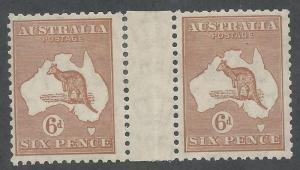 AUSTRALIA 1931 KANGAROO 6D GUTTER PAIR C OF A WATERMARK