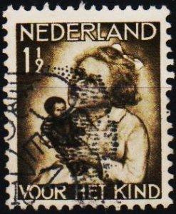 Netherlands. 1934 1 1/2c+1 1/2c S.G.443 Fine Used