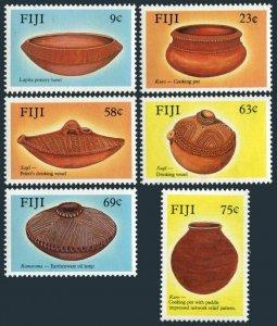 Fiji 585-590,MNH.Michel 580-585. Pottery 1988.