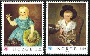 Norway 744-745, MNH. IYC. Art. Girl, by Stoltenberger; Boy, by Hosenfelder, 1979