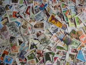 Topical hoard breakup 250 cats, dogs. Mixed condition, few duplicates