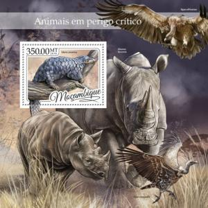 Mozambique MNH S/S Endangered Animals Rhinos 2016