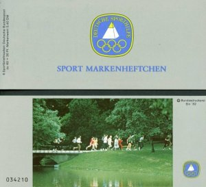 GERMANY 1982 SPORT BOOKLET TRACK  MINT NEVER HINGED