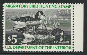 United States, 1976, Scott #RW43, $5.00 Canada Geese, mint, N.H., V.F.