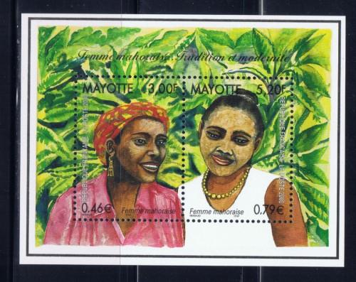 Mayotte 137 lightly hinged 2000 souvenir sheet