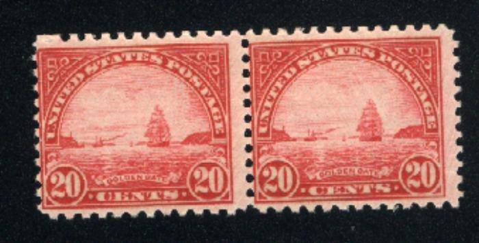 USA 698   Pair  Mint NH   1931 PD