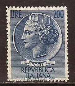 Italy  #  662  used .         C