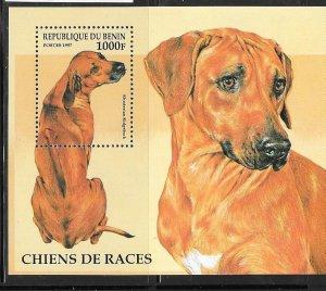Benin MNH S/S 986 Rhodesian Ridgeback Dog SCV 6.50