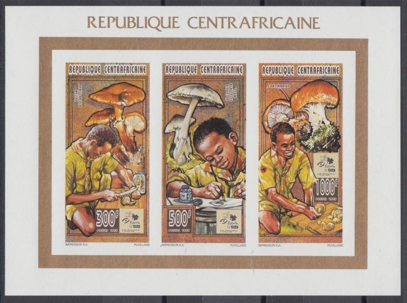 XG-AN760 CENTRAL AFRICAN - Mushrooms, 1995 Boy Scouts, Nature, Imperf. MNH Sheet