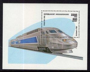 Madagascar MNH S/S 1207 Modern Train
