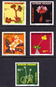 Madagascar Scott 527-530, C141  complete set  F to VF CTO NH.