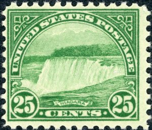#699 – 1931 25c Niagara Falls, blue green.  MNH. NH. OG.Crease on back.