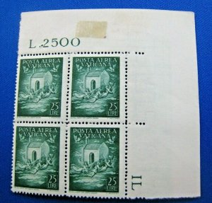 VATICAN CITY  1947  -  SCOTT # C13  -   MNH   (Hv8)
