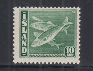 Iceland Sc 221b MNH. 1940 10a green FISH definitive, comb perf 14x13½, scarce.