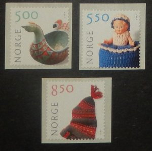 Norway 1305-07. 2001 Crafts, perf. 14.5, NH