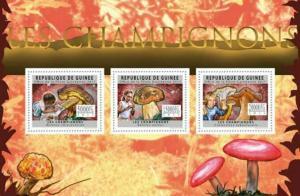 Guinea - Mushrooms - 3 Stamp  Sheet - 7B-1635